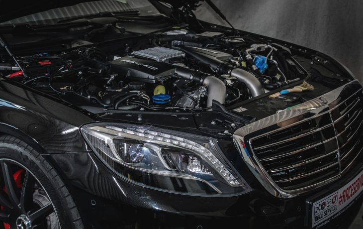 Подкапотная мойка автомобиля – нужна ли она?